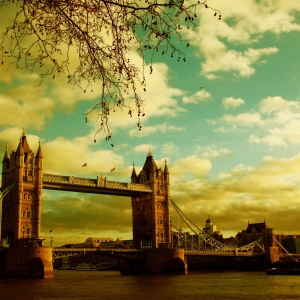 london_bridge_river_sky_summer_9660_1024x1024